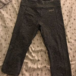 Lorna Jane Capri workout pants
